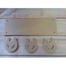 4mm Thick MDF Plaque with horse shoes